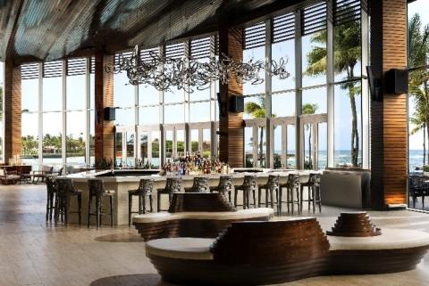 Caribe Hilton - Caribar (Photo: Business Wire)