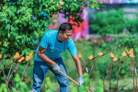 In Austin, 720 Schwab employees will provide volunteer service for 39 projects supporting 28 nonprofits. (Photo: Business Wire)