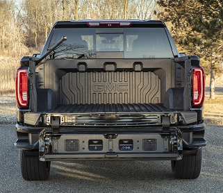 The CarbonPro box available on the GMC Sierra Denali has earned CSP and parent company Teijin the GM Innovation Award. (Photo: Business Wire)