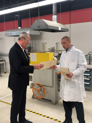 Henkel welcomed Governor Murphy to its facility in Bridgewater, NJ, and showcased innovative new products and designs that enable sustainable solutions for customers. (Photo: Business Wire)