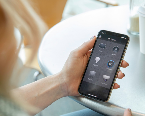 With Control4 Smart Home OS 3, homeowners can create favorites for quick control and at-a-glance status of the devices and systems in their home by room. (Photo: Business Wire)