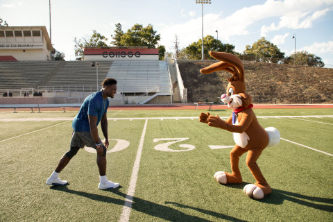 Football Star DK Metcalf Partners with Nestlé Nesquik® to #KeepOnChuggin (Photo: Business Wire)