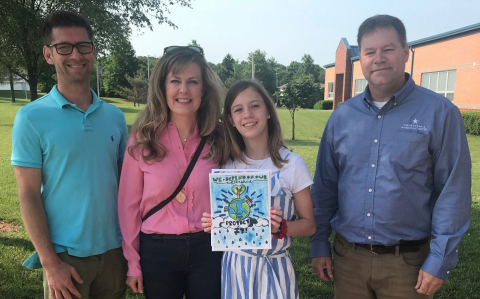 Grand prize winner Lila Weingarten (center) with her parents at left and Pennsylvania American Water Senior Operations Superintendent Ed Baetzel at right (Photo: Business Wire)
