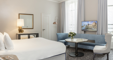 Guestroom at Hotel du Louvre (Photo: Business Wire)