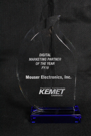 Mouser Electronics received the Digital Marketing Partner of the Year award from KEMET for the second consecutive year. The major award recognizes Mouser's global distribution capabilities and digital marketing expertise. (Photo: Business Wire)