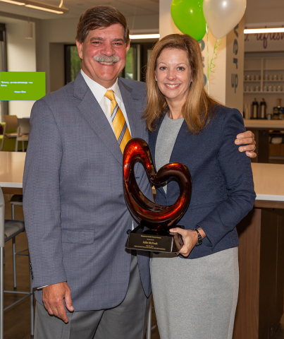 Delta Dental CEO Dr. Phil Wenk and Tennessee Insurance Commissioner Julie Mix McPeak. (Photo: Business Wire)