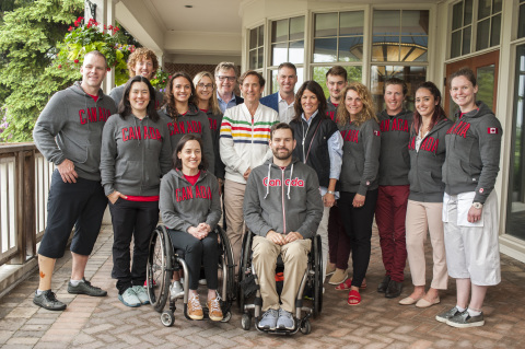 Richard Baker, Helena Foulkes, Wayne Drummond and Kerry Mader attend the Canadian HBC Foundation 18th Annual Golf Tournament & Spa alongside Canadian Olympic and Paralympic athletes. (Photo: Business Wire)