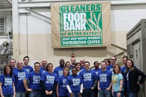 "Employees from Fifth Third Bank volunteered throughout the month of May as part of its ""Feeding Our Communities"" initiative. (Photo: Business Wire)"