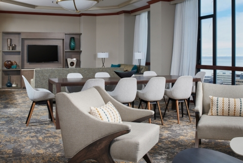 Hilton Anchorage's newly renovated hotel includes the Parlor Suites. (Photo: Business Wire)