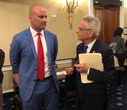 Chris Hart, President & Managing Director of Atlantic Shores Offshore Wind, LLC, discusses the Offshore Jobs and Opportunity Act with Congressman Alan Lowenthal at today's hearing. (Photo: Business Wire)