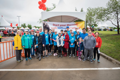 HilltopSecurities employees, friends and family volunteered to support the 2019 Alliance Data Red Balloon Run and Ride to benefit Children's Health in Dallas, Texas. (Photo: Business Wire)