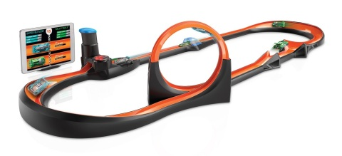 Hot Wheels™ id Smart Track® Kit features an all-new Hot Wheels track design to boost speed and enhance racing, jumping and crashing, while also adding total distance traveled to your vehicle stats. (Photo: Business Wire)