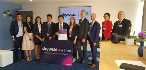 FPT Software and Airbus signed the agreement on the Skywise certified partner program at the sideline of the 53rd Paris Airshow on 19 June, 2019. (Photo: Business Wire)