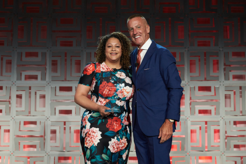 Aramark Chairman, President and CEO, Eric Foss, presents Natily Santos with the company's 2019 Service Star Volunteer of the Year award, in recognition of her commitment to volunteer service and leadership in her community. (Photo: Business Wire)