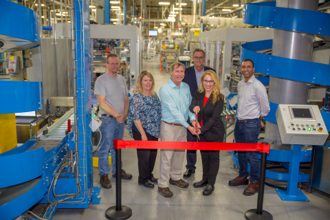 Leaders from the West Hazleton facility, and the Beauty Care leadership team, celebrate the opening of the line expansion for both Dial® body wash and Dial® liquid hand soap. (Photo: Business Wire)