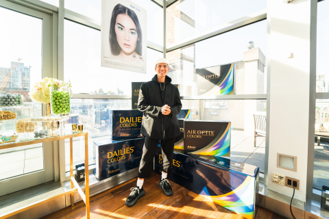 Celebrity Makeup Artist Patrick Ta Attends Launch of Alcon DAILIES® COLORS Contact Lenses (Photo: Business Wire)