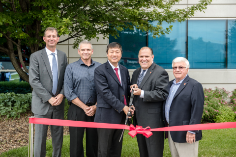 Proteintech COO Jeff Lee, Trustee Steve Price, Proteintech CEO Dr. Jason Li, Rosemont Mayor Bradley Stephens, Trustee Roger Minale at the opening ceremony (Photo: Business Wire)