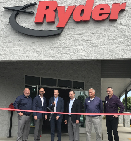 Ryder executives and employees, along with the Mayor of Marysville, Jon Nehring, during the ribbon cutting ceremony in Marysville, WA. (Photo: Business Wire)
