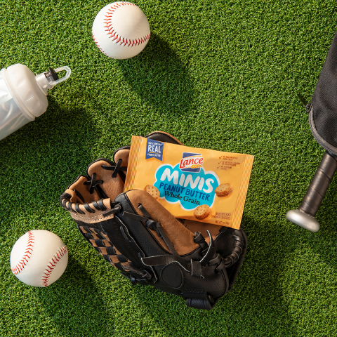 Lance Sandwich Crackers, the Official Snack of Little League® Baseball and Softball (Photo: Business Wire)