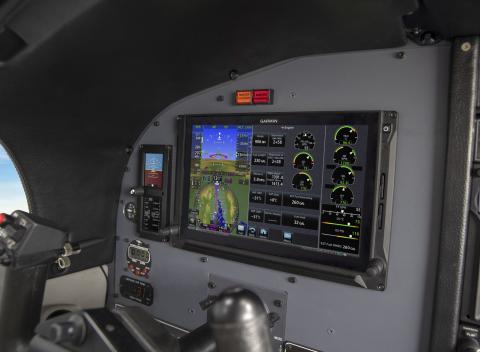 Garmin G600 TXi with turbine engine monitoring (Photo: Business Wire)