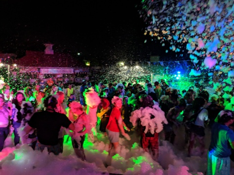 Enjoy Coca-Cola Foam Dance Parties during Coca-Cola July 4th Fest at Six Flags Parks July 3-6. (Photo: Business Wire)