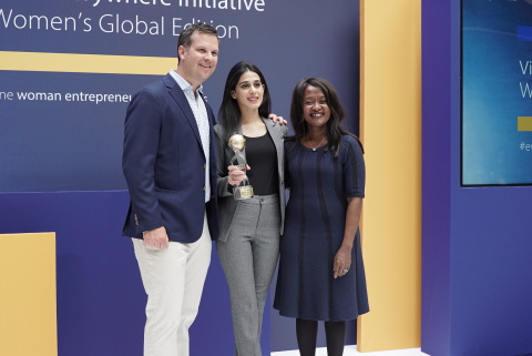Chris Curtin, Senior Vice President, Chief Brand & Innovation Marketing Officer, Visa Inc. (left) and Marianne Mwaniki, Senior Vice President, Social Impact, Visa Inc. (right) present FinTech Challenge winner Tez Financial Services to Naureen Hyat, Co-Founder & Business Head (center). (Photo: Business Wire)