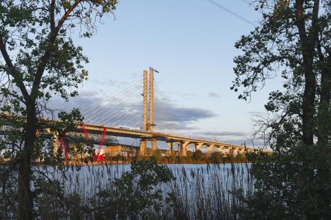 Le nouveau pont Samuel-De Champlain sur le fleuve Saint-Laurent à Montréal, Québec, Canada. (Photo: Infrastructure Canada)