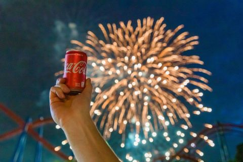 22,555 Six Flags guests and team members took part in a nationwide toast to the USA. The salute was part of the annual Coca-Cola July 4th Fest taking place through July 6. (Photo: Business Wire)