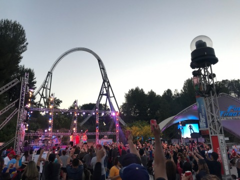 An astounding 22,555 Six Flags guests and team members took part in a nationwide toast to the USA. The salute was part of the annual Coca-Cola July 4th Fest taking place through July 6. (Photo: Business Wire)