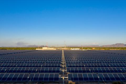 Primer proyecto solar de EDF Renewables en México - Bluemex Solar Project en Sonora. (Photo: Business Wire)