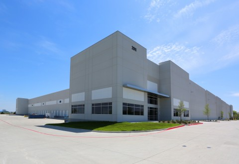 Parkway Logistics Center, located at 2911 South Great Southwest Parkway in Grand Prairie, Texas. (Photo: Business Wire)