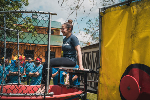 Lu Urdaneta, Founder, MONAT Gratitude, steps up for her turn in the dunk tank (Photo: Business Wire)