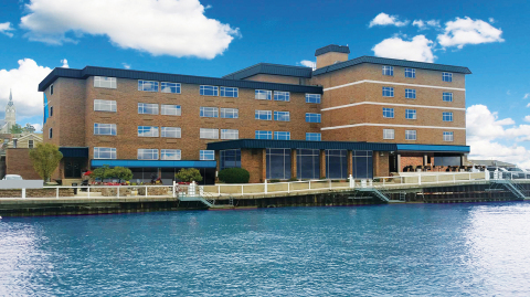 The Harborview, Port Washington's newly rebranded and renovated hotel, delivers comfort and charm on Lake Michigan. (Photo: Business Wire)