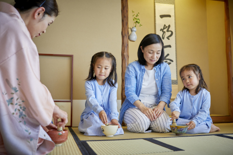 With the accommodation package, guests with children could experience unique cultural Japanese tea ceremony to learn how to make a green tea and its history. (Photo: Business Wire)