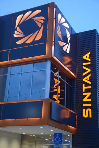 Sintavia位于佛罗里达州好莱坞面积55,000平方英尺的先进制造工厂专门从事金属增材制造。(照片:美国商业资讯)