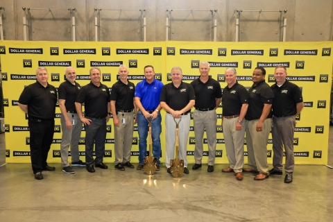 President and CEO of the Longview Economic Development Corporation, Wayne Mansfield, celebrates the grand opening of the Longview Distribution Center with Dollar General leadership team. (Photo: Business Wire)