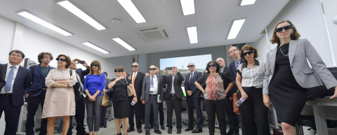 22 delegates from Higher Education Institutions of Israel visited South Korea's Konkuk University and discussed research cooperation and academic exchange between Israeli universities and Konkuk University. The delegation of Israel visited to KU Smart Factory and TECH Joint Equipment Center and had an explanation by the researchers while looking at equipment such as virtual reality (VR) and advanced drone production sites. (Photo: Business Wire)