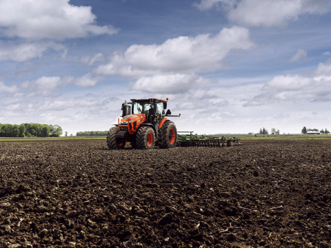 Kubota breaks into higher-horsepower large utility Ag tractor segment in North America with the unveiling of the all-new Kubota M8 Series diesel tractor line. (Photo: Business Wire)