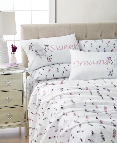 Get ready to shine this school year at Macy's. Sanders Expressions Twin Sheet Set, $35.00 (Photo: Business Wire)