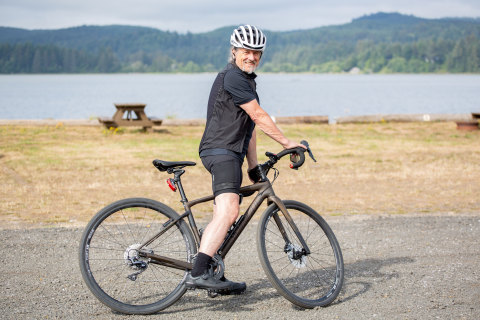 Robert Gay getting ready to leave Washington for his cross-country bike ride (Photo: Business Wire)