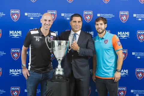 Coach Paul Dalglish (left), owner Riccardo Silva (Centre), player Dylan Mares of Miami FC Photo:OrovioPhotography/Silva/LaPresse