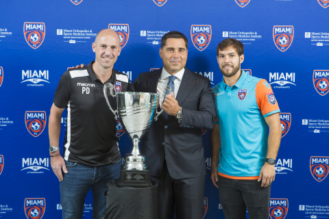 Coach Paul Dalglish (left), owner Riccardo Silva (Centre), player Dylan Mares of Miami FC Photo:OrovioPhotography/Silva/LaPresse