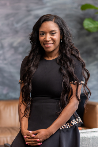 Mia Alexander, VP of Customer Experience at Dave (Photo: Business Wire)
