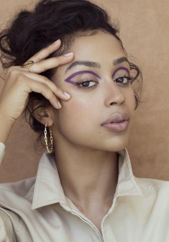 Liza Koshy in C'est Moi Makeup Crayons - Photographer: Daniella Midenge /Early Morning Riot @daniellamidenge