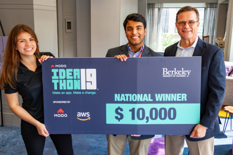 A team of students from UC Berkeley won the 2019 Ideathon for their food insecurity app which they built in 24 hours using the no-code app platform from Modo. (l-r) Ana Sanchez, Modo's User Engagement Strategist; Ideathon winner Saahil Chadha, UC Berkeley; Stewart Elliot, Modo CEO (Photo: Business Wire)