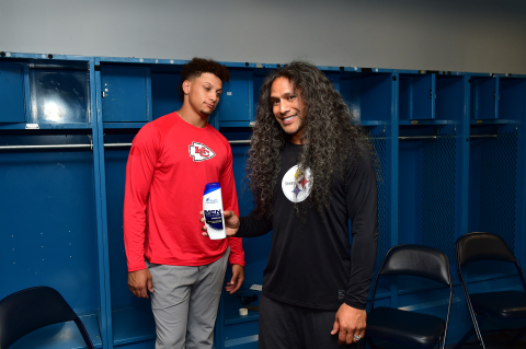 Head & Shoulders Enlists Patrick Mahomes and Troy Polamalu to Settle the Age-Old Debate - Offense or Defense? (Photo: Business Wire)
