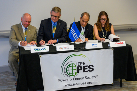 IEEE PES Corporate Engagement MoU Signing: Chris Root, chief operating officer, VELCO; Damir Novosel, president, Quanta Technology; Saifur Rahman, president, IEEE Power & Energy Society (PES); and Shay Bahramirad, vice president of Engineering and Smart Grid, ComEd.