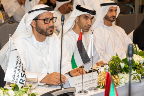 A shot from the workshop of the Illegal Trade in Birds of Prey held in the presence of His Excellency Dr. Thani Bin Ahmed Al Zeyoudi, Minister of Climate Change and Environment, His Excellency Majid Ali Al Mansouri, Secretary General of the Emirates Falconers' Club and Chairman of the Higher Organizing Committee of ADIHEX (Photo: AETOSWire)