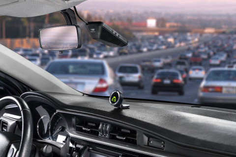Mobileye 8 Connect, which 'sees' the road ahead through a camera lens (Photo: Business Wire)