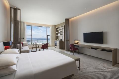 Hyatt Regency Zhuzhou Guestroom (Photo: Business Wire)